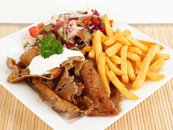 Kebab na talerzu w mieście